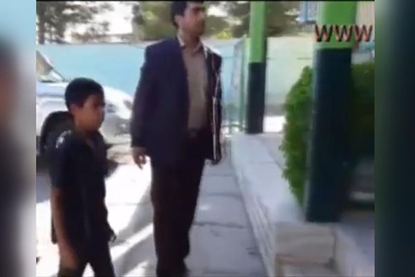 فیلم | لحظه تحویل کودک ربوده شده سیرجانی به مادرش