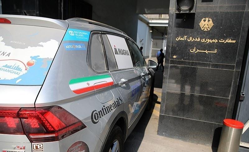تصاویر | رکورددار رانندگی جهان در سفر ونیز به شانگهای وارد ایران شد