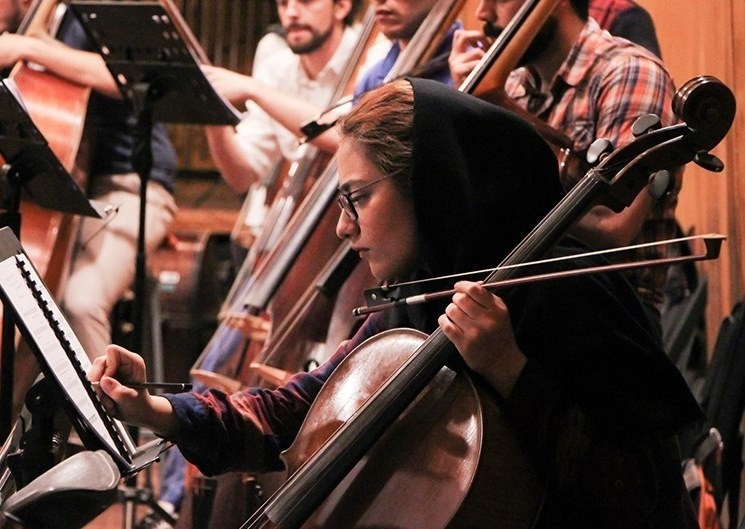 تصاویر |  تمرین مشترک ارکستر ایتالیا و ارکستر سمفونیک تهران به رهبری موزیسین معروف