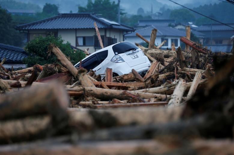 تصاویر | بارش سیلآسا در ژاپن که منجر به آوارگی ۱۰۰ هزار نفر شد