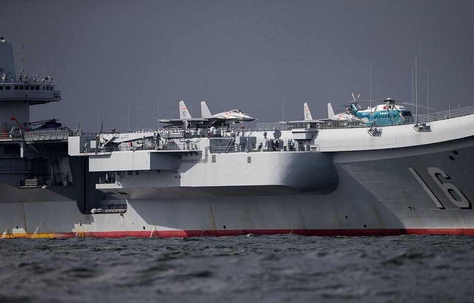 تصاویر | جشن ورود اولین ناو هواپیمابر چین به هنگ کنگ