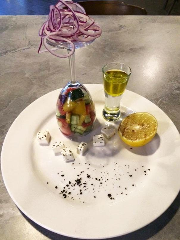 تصاویر   خلاقیت عجیب و غریب رستوراندارها در سرو خوراکیها