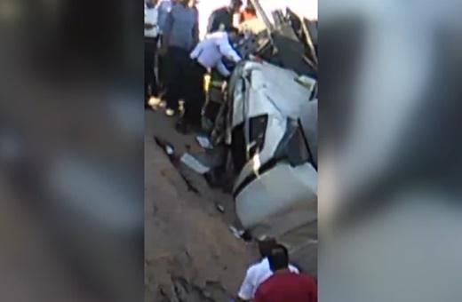 فیلم | واژگونی عجیب تریلی در نزدیکی شهرک شکوهیه قم