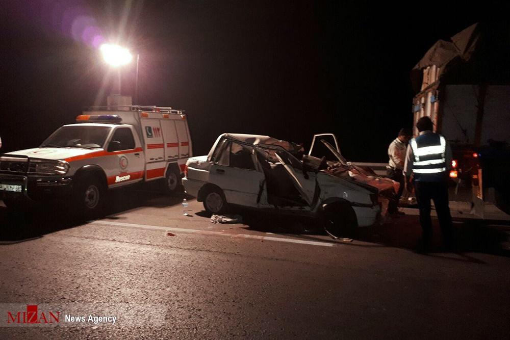 تصاویر   ۳ کشته در تصادف پراید با کامیون