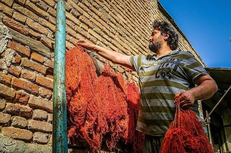تصاویر | حرفهای پر از رنگ و هیجان در بازار سنندج