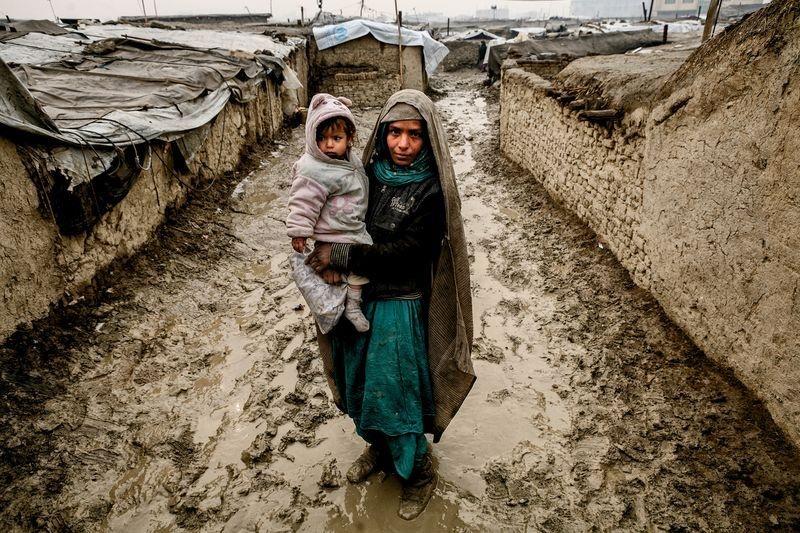 عکس | مادر و فرزند آواره افغان در عکس روز نشنال جئوگرافیک