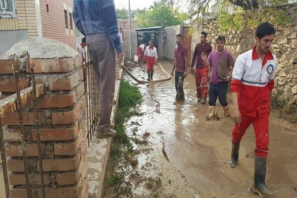 امدادرسانی به  ۲ هزار نفر گرفتار در سیل و آبگرفتگی در ۵ استان/ ارتش به یاری سیل زدگان گلستان آمد