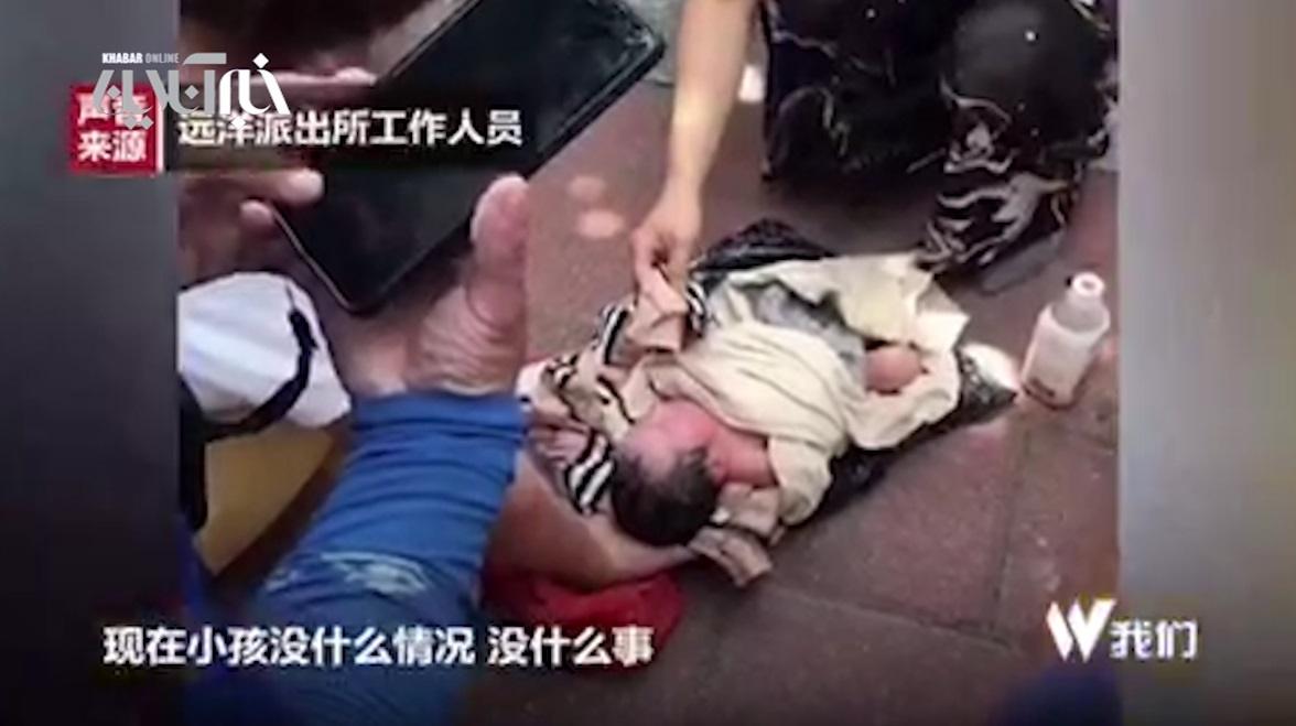 فیلم | مادر چینی نوزادش را با پیک موتوری به پرورشگاه فرستاد!