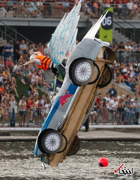 تصاویر   مسابقات ردبول برای پرش با ماشینهای عجیب و غریب