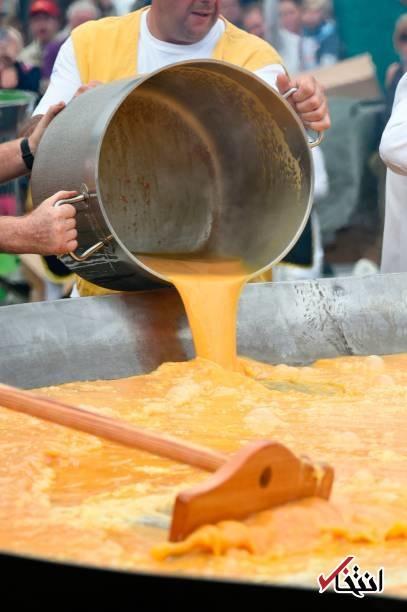 تصاویر | جشنوارهای برای املت ۱۰ هزار تخم مرغی