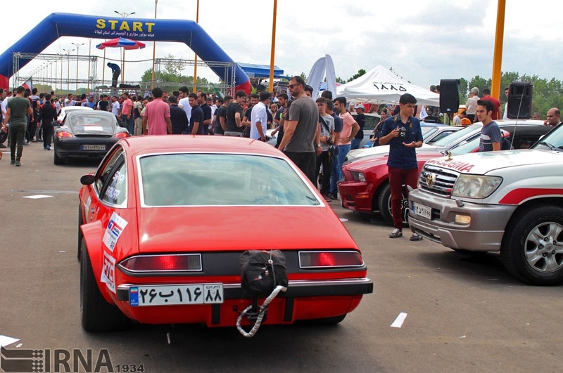 تصاویر | نخستین مسابقات اتومبیلرانی شتاب در منطقه آزاد انزلی