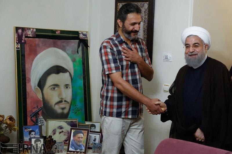 تصاویر | دیدار رئیسجمهور با جانباز قطع نخاعی و خانواده ۳شهید