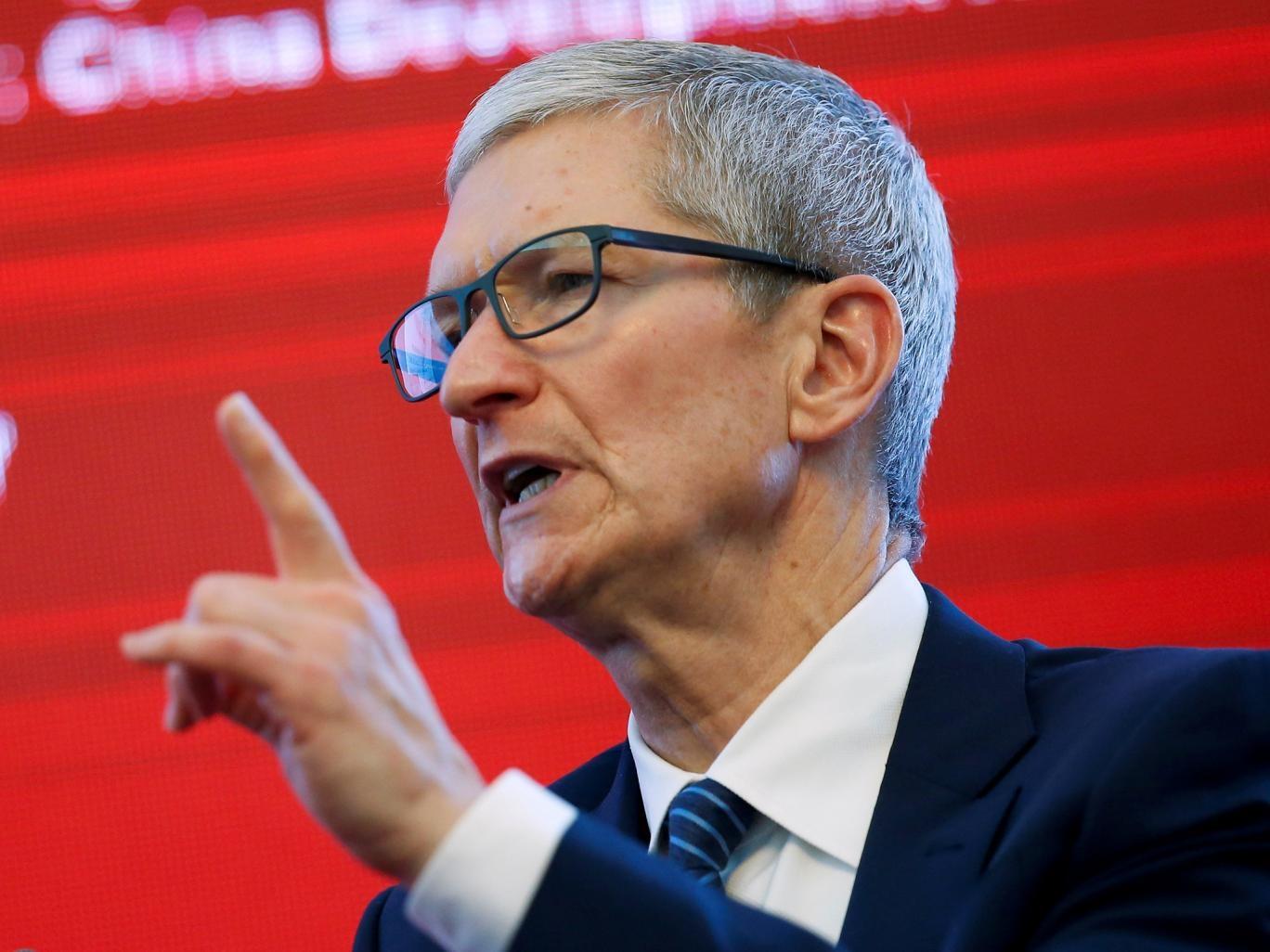 سیلی محکمی که مدیران ارشد آیتی آمریکا به گوش ترامپ زدند/ شمشیر مدیر اپل علیه نژادپرستان
