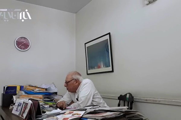 فیلم | چرا درهای «احمدآباد» همچنان بسته است؟ | روایت نوه مصدق از نامههایی که به روحانی نوشته
