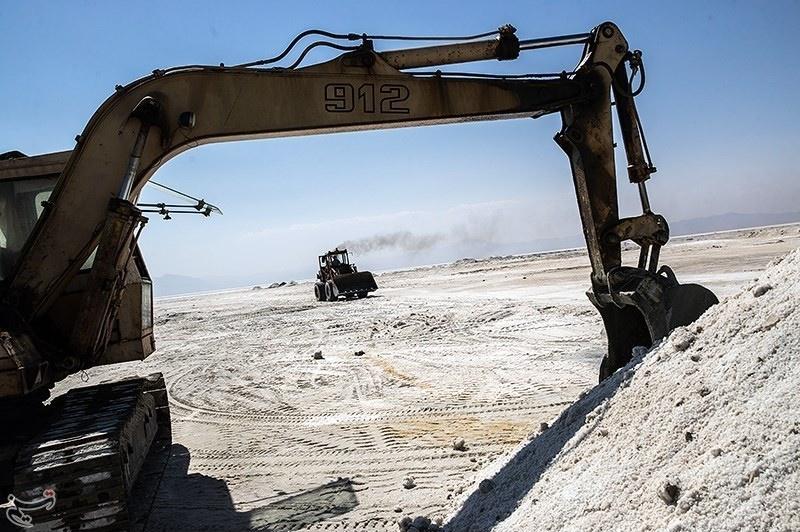 تقابل در دو سوی دریاچه ارومیه برای آب زرینه رود