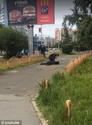 تصاویر | حمله مرد ناشناس به مردم روسیه با  ۸ زخمی