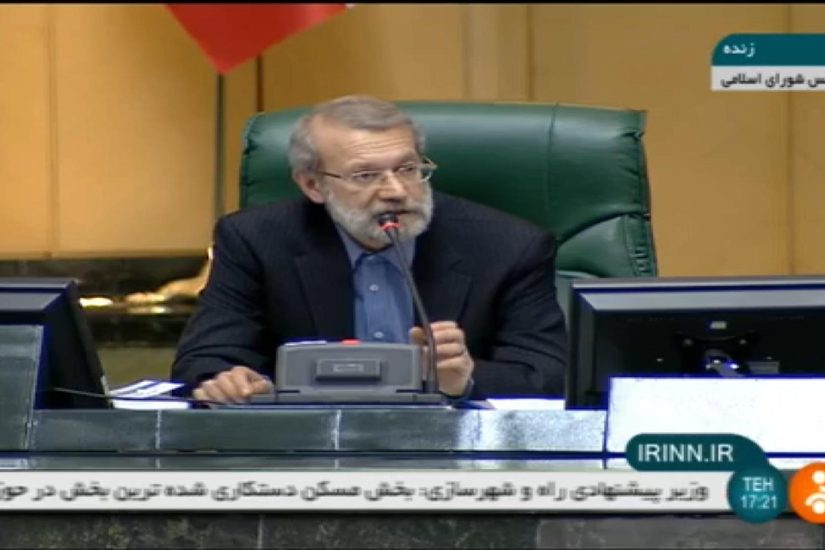 فیلم | واکنش لاریجانی به اظهارات خلاف یک نماینده خطاب به زنگنه