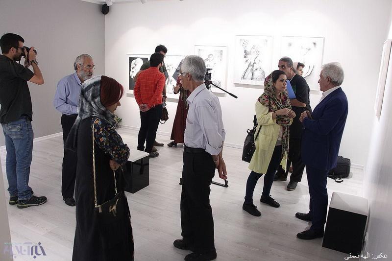 """تصاویر نمایشگاه """"روایت جنون"""" کیومرث کیاست در تهران"""