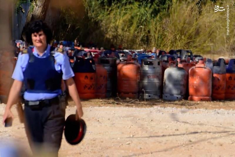 عکس | کشفیات پلیس از مخفیگاه تروریستها در بارسلون