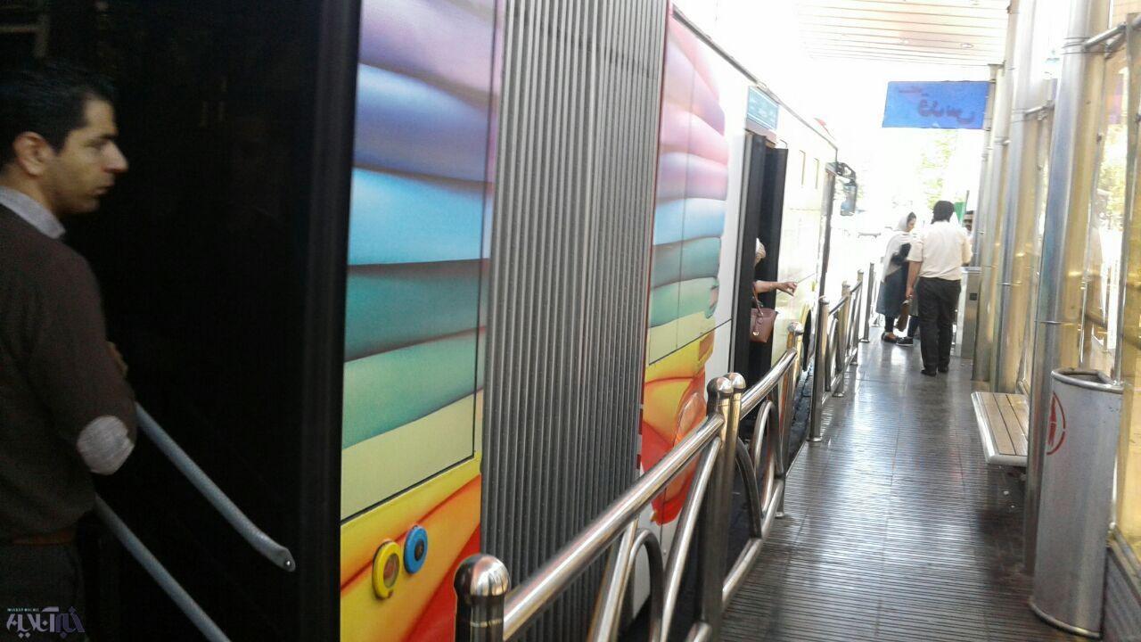 اعتراض شهروندان به تبلیغات روی اتوبوسهای واحد/ مدیرعامل شرکت واحد تهران: شهر زیباتر شده!