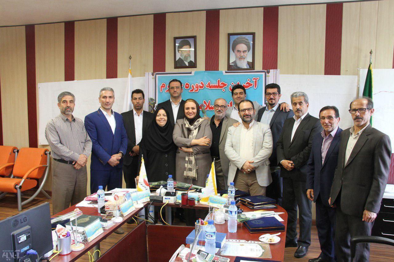 تقدیر از شهردار آمل در آخرین جلسه دوره چهارم شورای اسلامی شهر