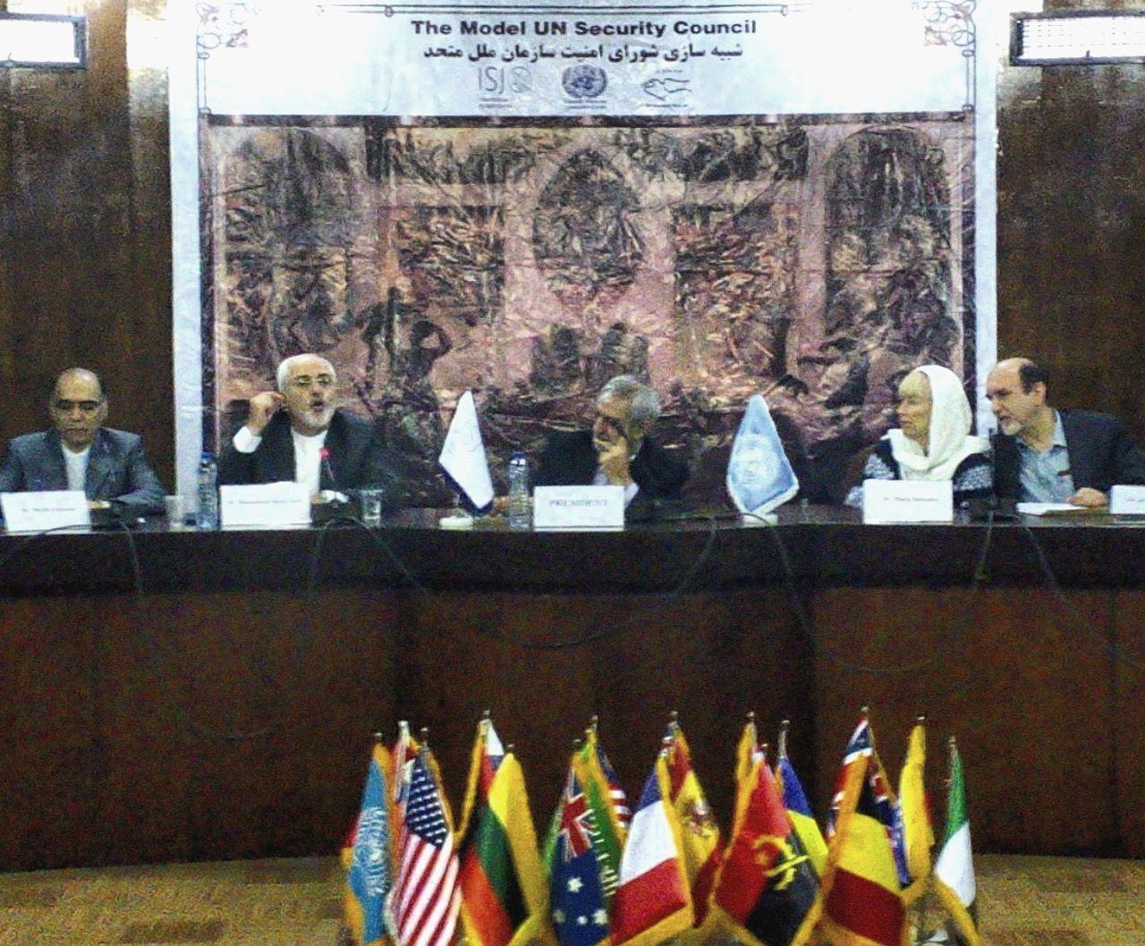 ظریف: قطعنامههای شورای امنیت نه همهچیز است نه کاغذپاره