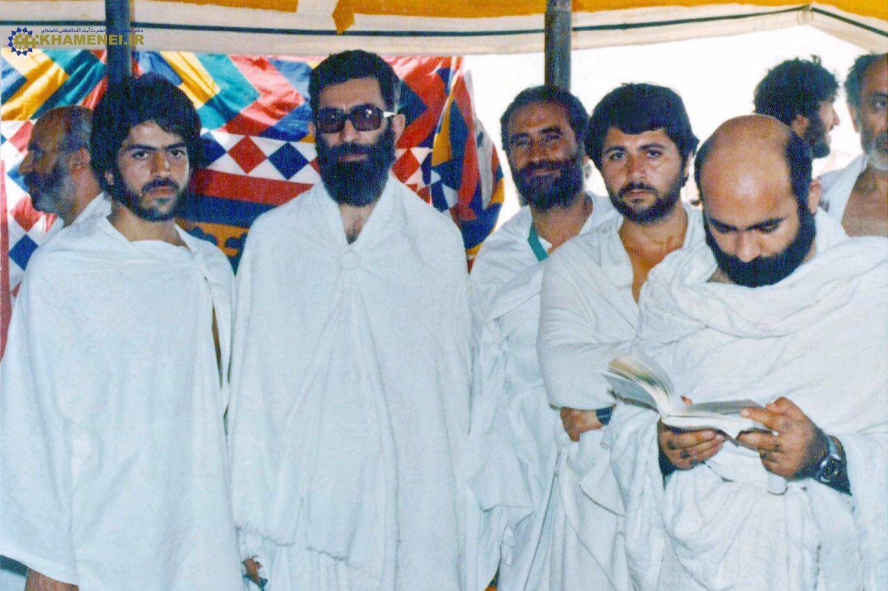 عکس   ۳۸سال قبل؛ رهبرانقلاب در لباس احرام