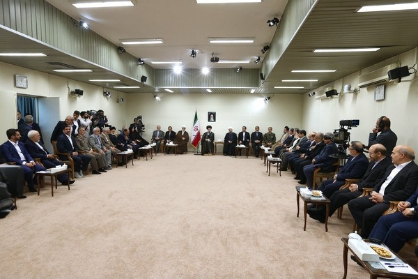 تصاویر | دیدار روحانی و اعضای هیأت دولت با رهبر انقلاب