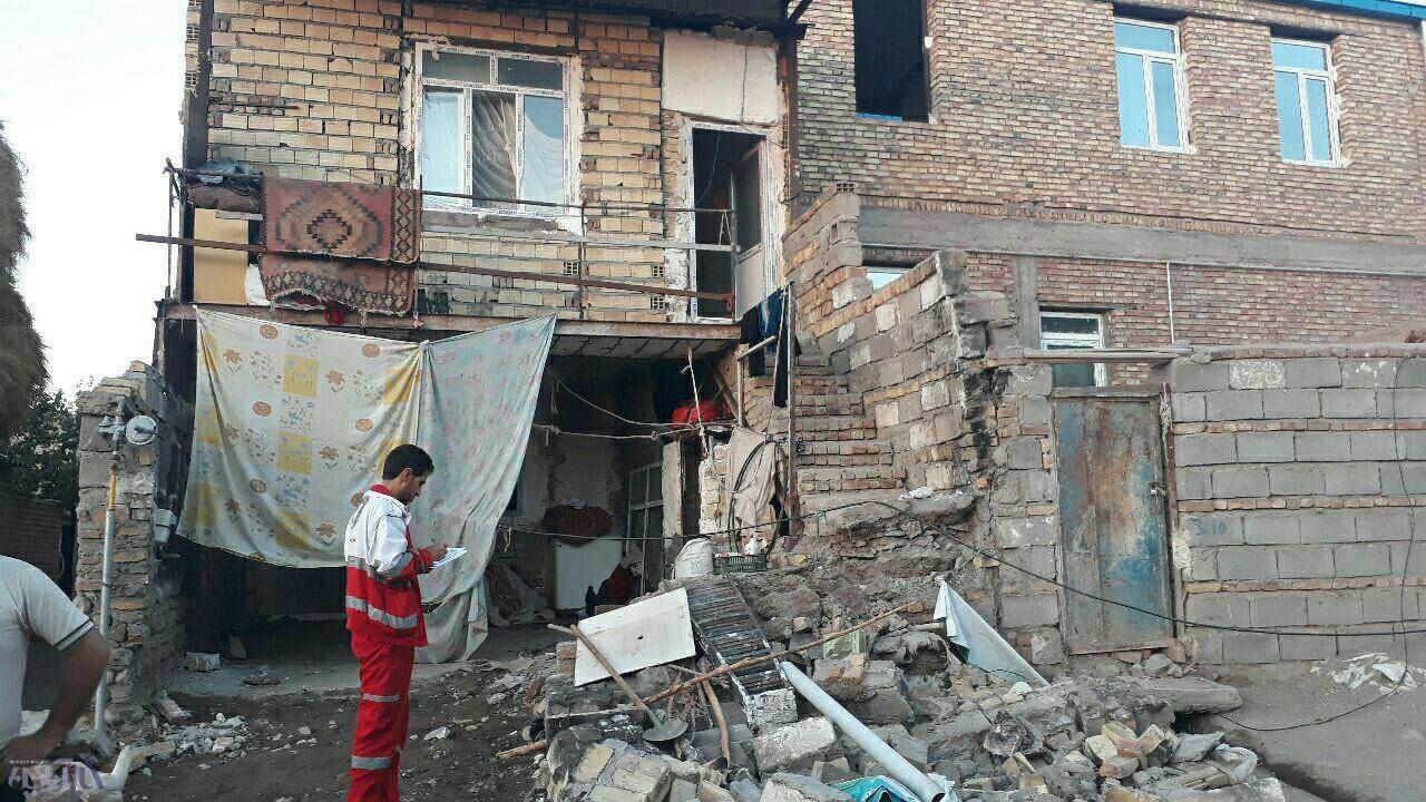 تصاویر | خسارات زلزله ۴.۹ ریشتری در آذربایجان شرقی