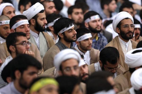 تصاویر | دیدار رهبرانقلاب با طلاب حوزههای علمیه استان تهران
