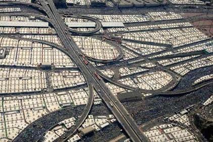 فیلم   تصاویر هوایی از صحرای منا دو روز پیش از مراسم عرفه