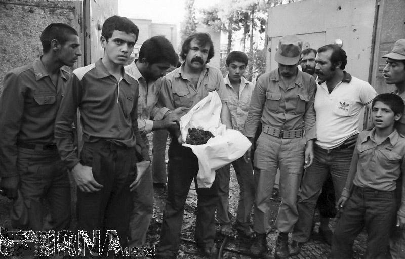 تصاویر   ۱۲ مرداد ۱۳۶۰؛ انفجار بمب در خیابان پاستور تهران