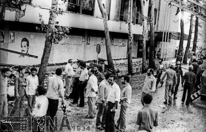 تصاویر | ۸ شهریور ۱۳۶۰؛ انفجار بمب در ساختمان نخستوزیری و شهادت رجایی و باهنر