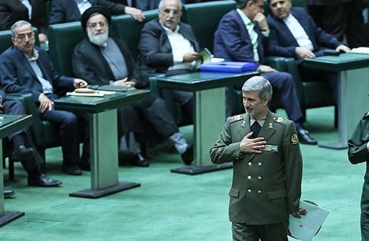 وزیر بدون مخالف روحانی/موافقان حاتمی اورا نماد وحدت ارتش و سپاه خواندند