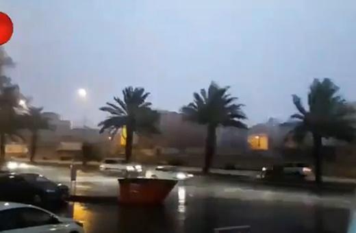 فیلم | حال و هوای مدینه در شب طوفانی و بارانی