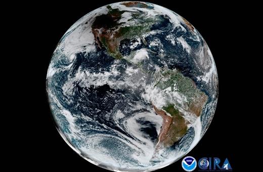 تصویر خورشیدگرفتگی از فضا و حرکت سایه ماه روی زمین را ببینید/عکسهای ماهواره ۱.۲ میلیون دلاری ناسا