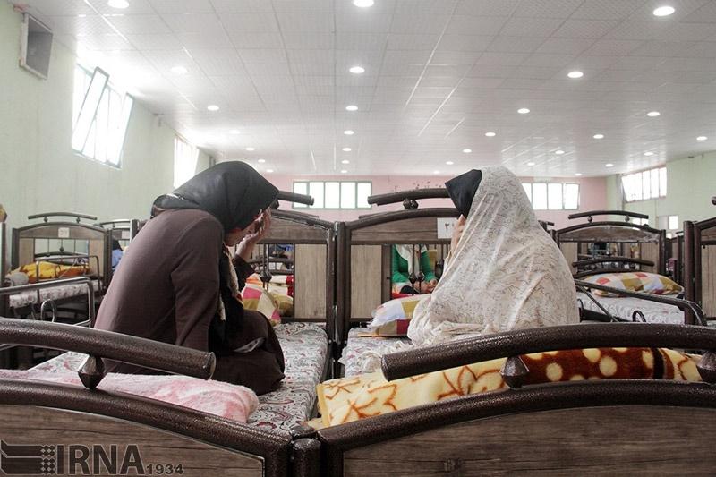 تصاویر | زنان کارتنخواب مشهد را اینجا نگه میدارند