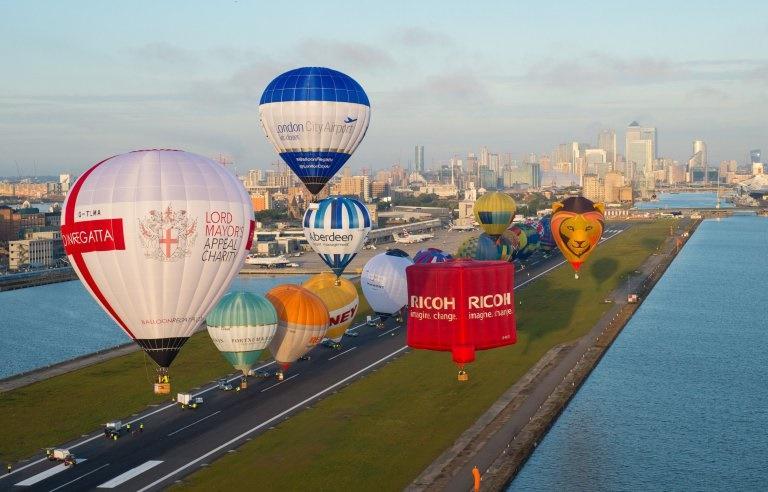 تصاویر   سالگردی متفاوت برای احداث فرودگاه سیتی لندن