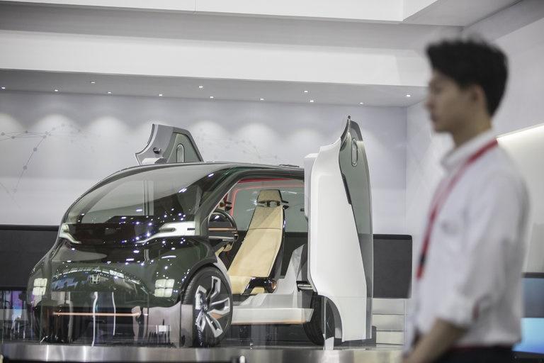 چین تبدیل به بزرگترین بازار خودروهای الکتریکی میشود؟/ بررسی تاریخ ممنوعیت خودروهای بنزینی