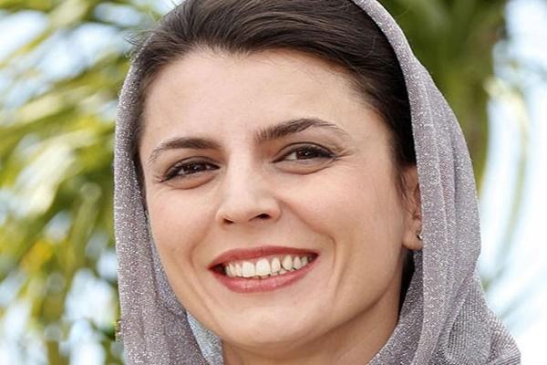 فیلم   لحظه اهدای جایزه بهترین بازیگر زن به لیلا حاتمی در جشن خانه سینما